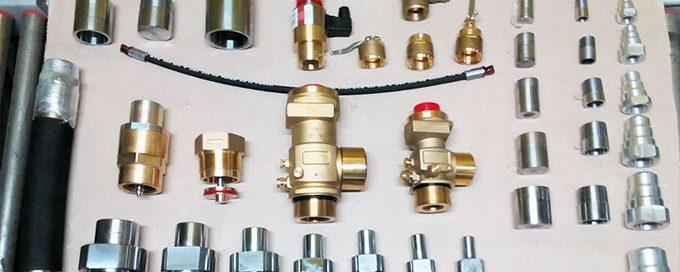 Пусковые устройства, клапаны, резьбовые соединения, насадок-распылитель